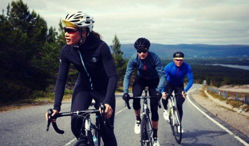 Safe cycling in a group