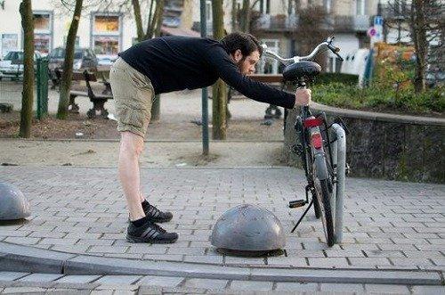 Man doing warp up exercises.