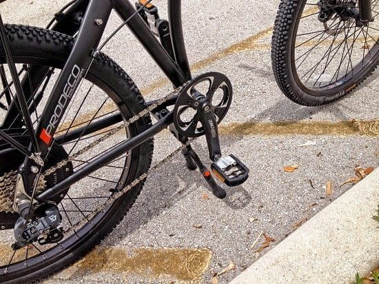 Kickstand of Prodeco Phantom x2