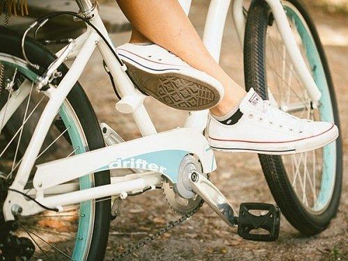 White SUN cruiser bike