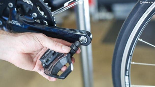 how to change bike pedals