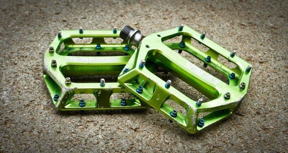 flat bike pedals