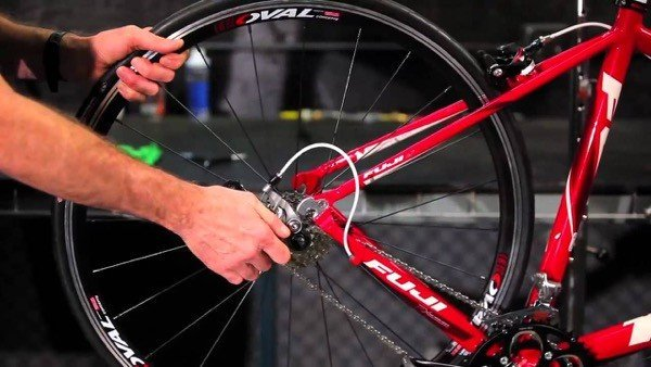 How to remove bike's rear wheel