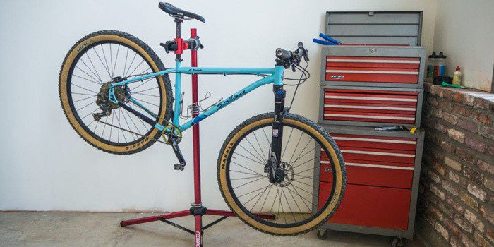 Claming Stand Bikes
