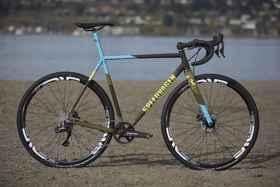 How To Choose Between A Cyclocross Vs. Hybrid Bikes