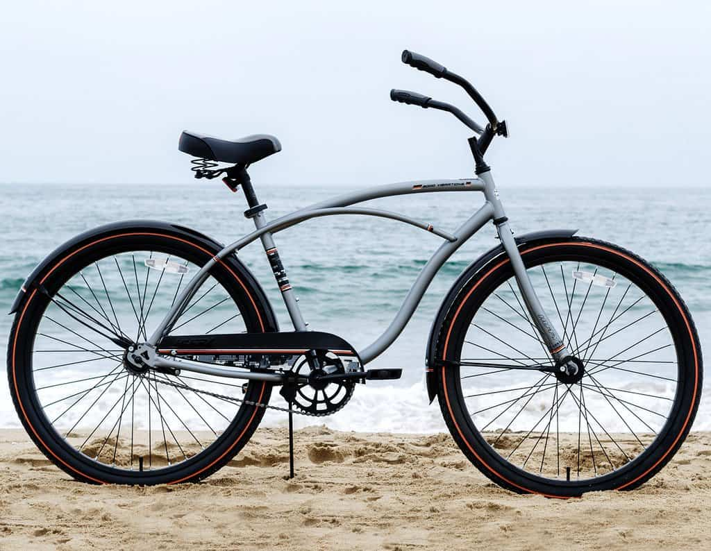 Huffy Good Vibration Men's Classic Cruiser Bike